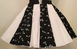 Blk Small Music Notes & Plain Wht Panel Skirt